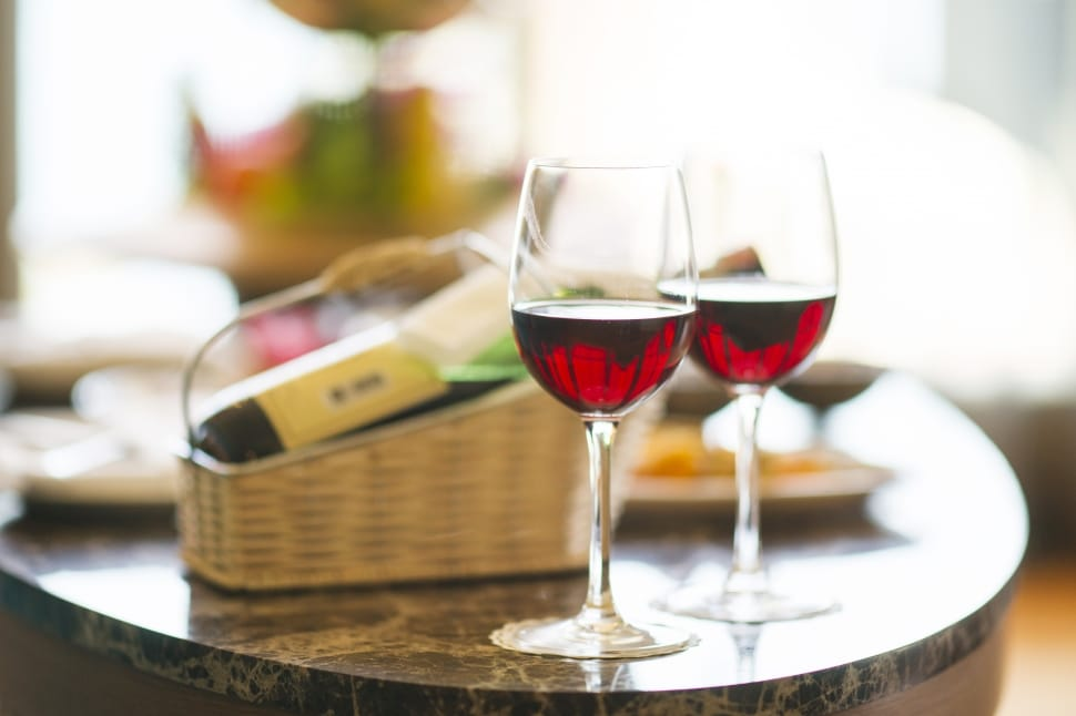 wine-red-dinner-hotel-holiday-wallpaper-preview
