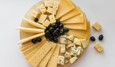 Custom Cheeseboard Christmas Gifts – Nothing but the best!
