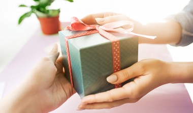 Custom Corporate Gifts That are Safe to Invest On- Must Read